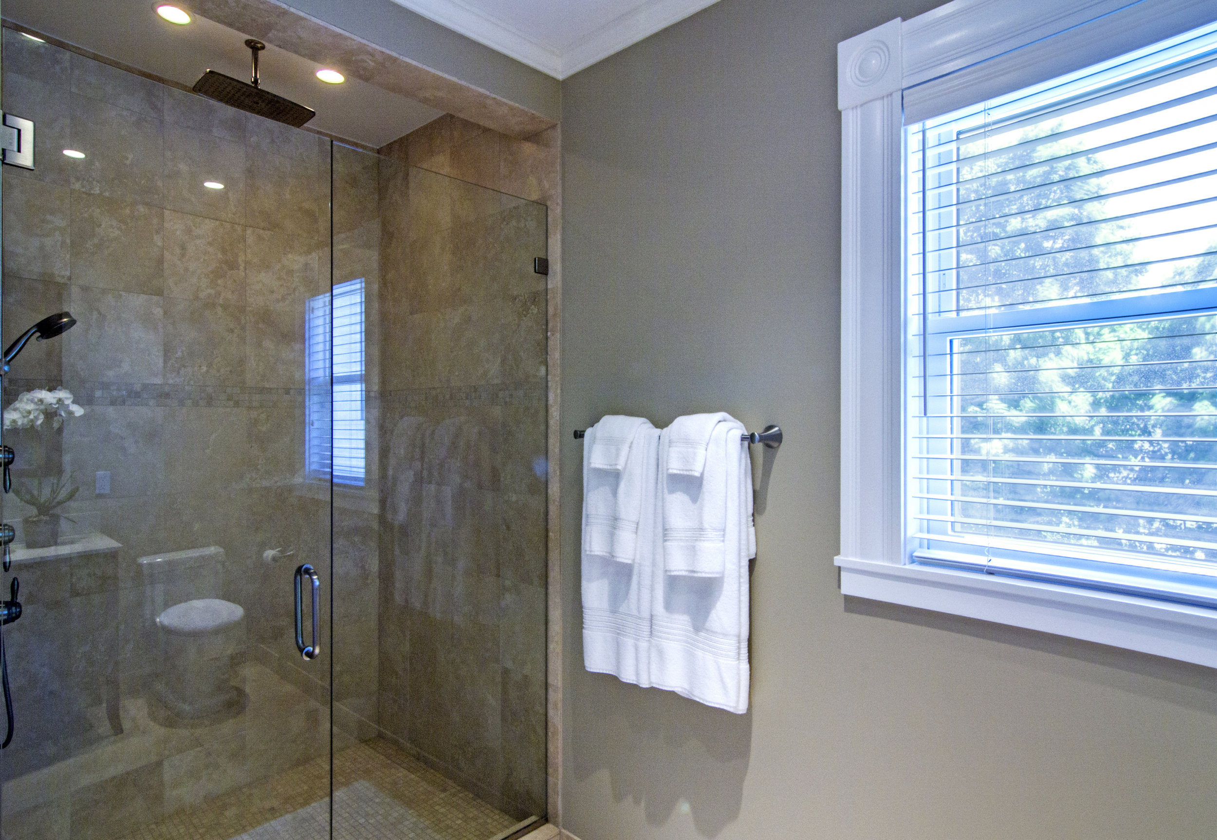 27-2017-06-14 IMG_3839 May Peterson 2nd Floor Shower.jpg