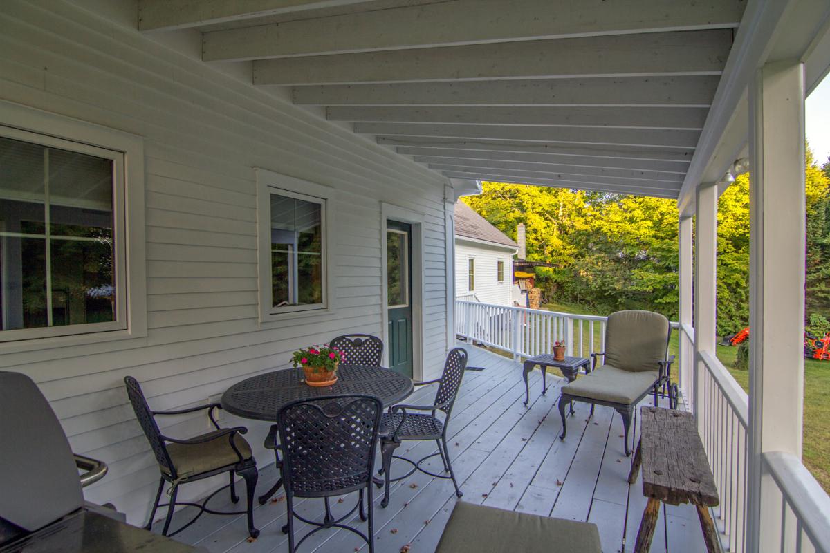 10-IMG_24312015-09-05 Misiaszek Exterior On Rear Porch.jpg