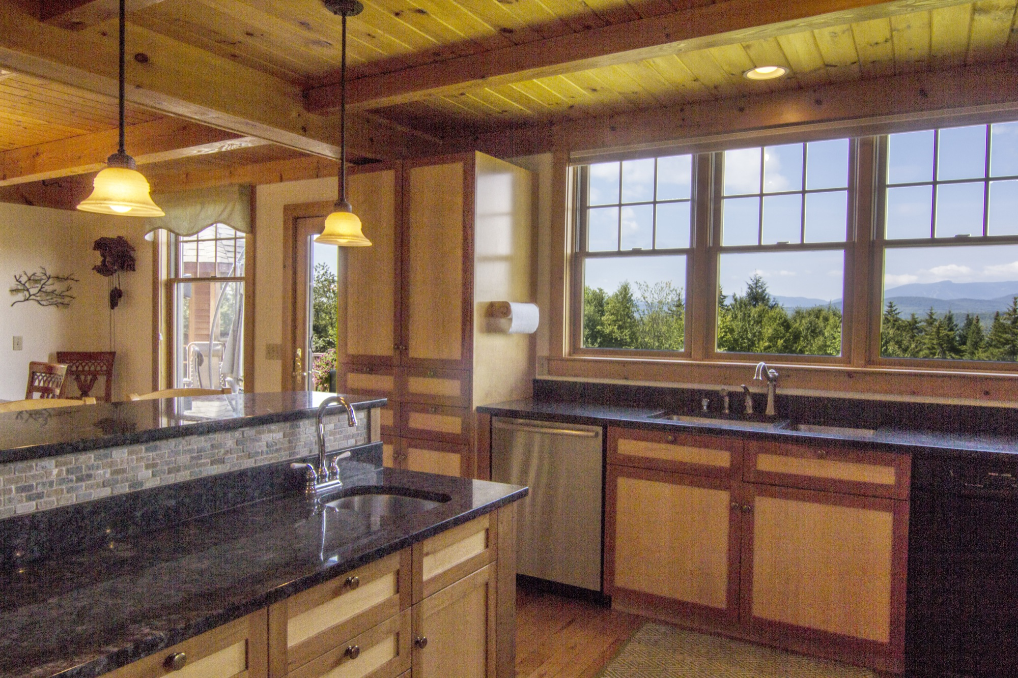 314 Campbell Rd - Kitchen.jpg