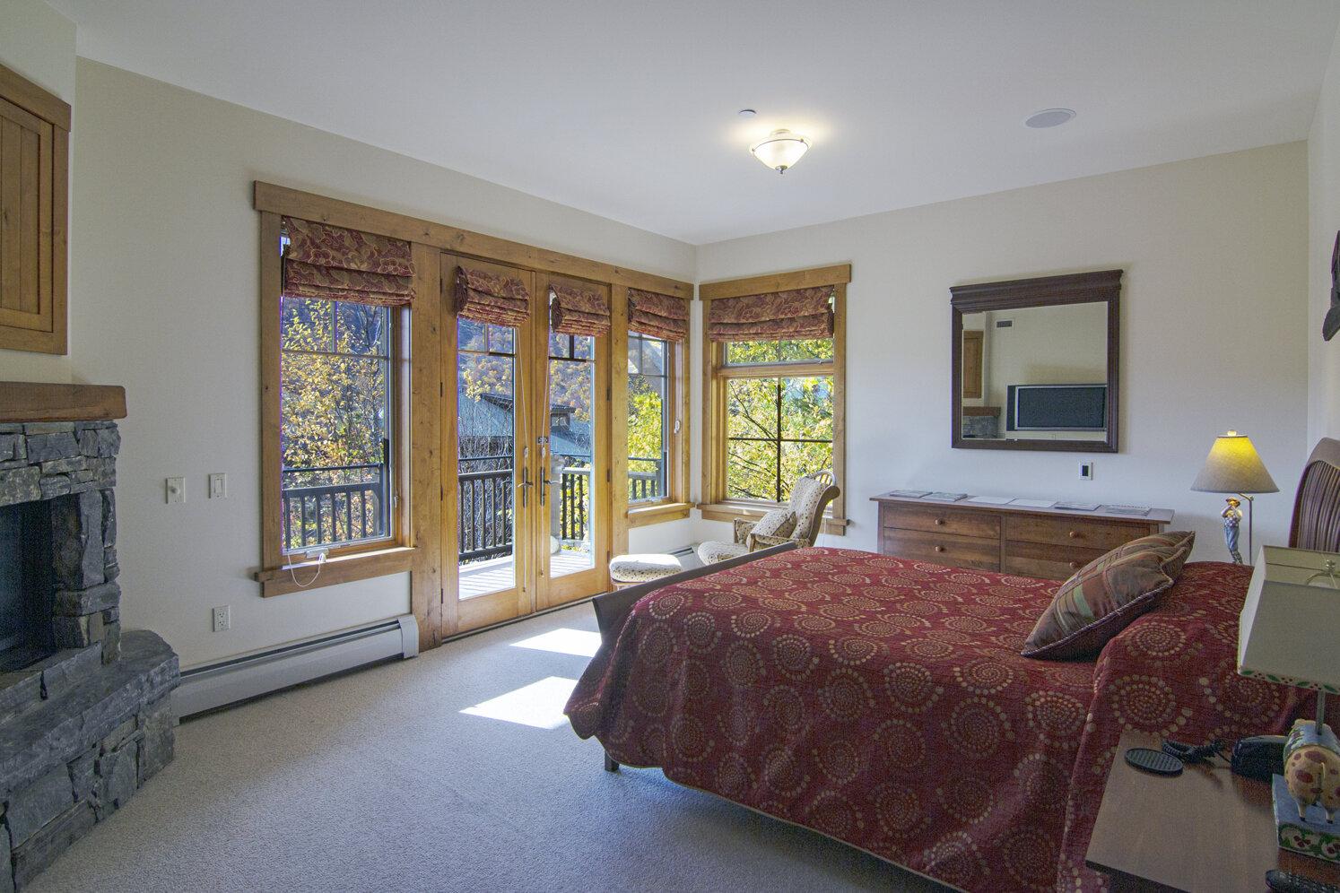 10-2019-10-15 IMG_5262 2nd Master Bedroom_DxOVP.jpg