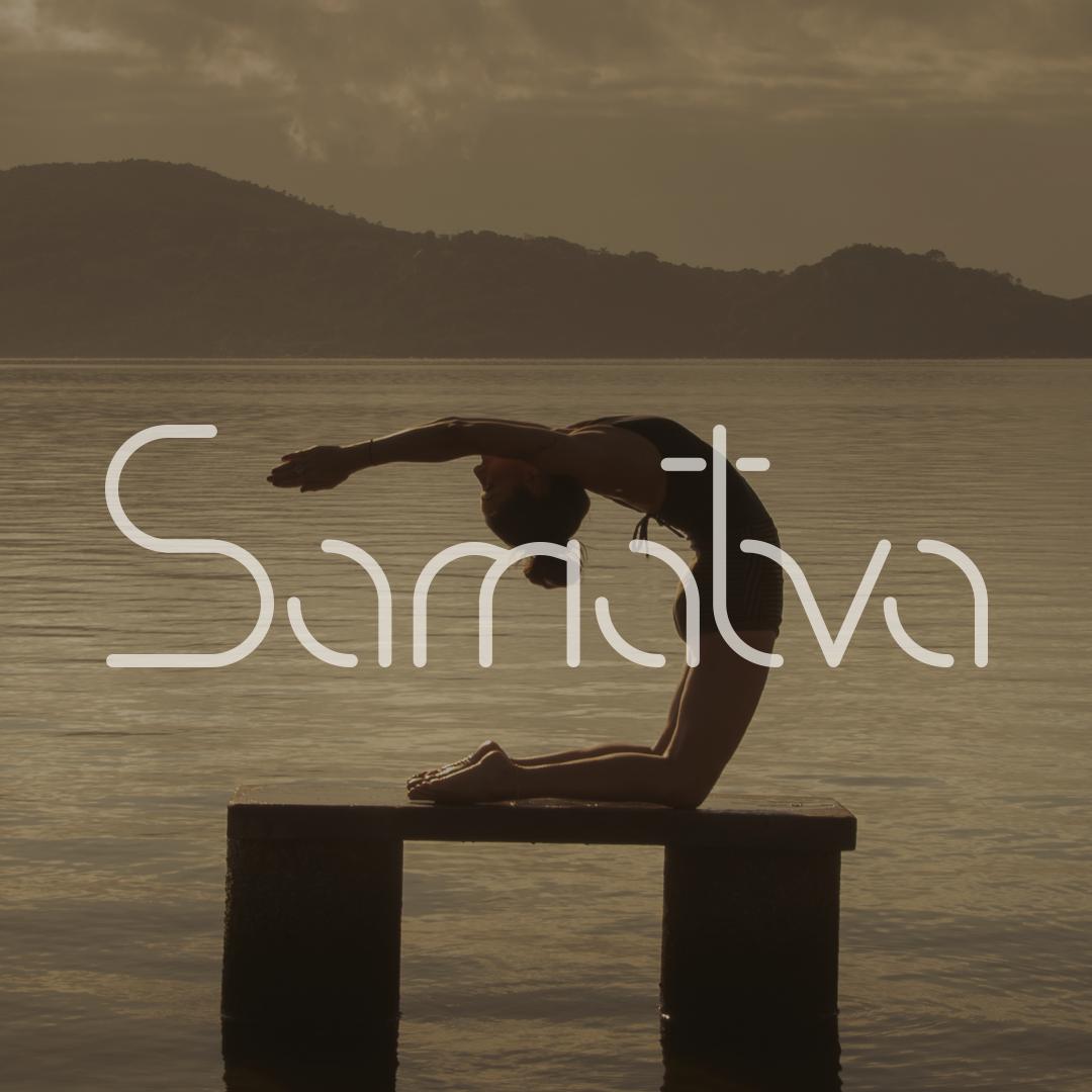 Tipografia inspirada nas curvas do corpo praticando Yoga