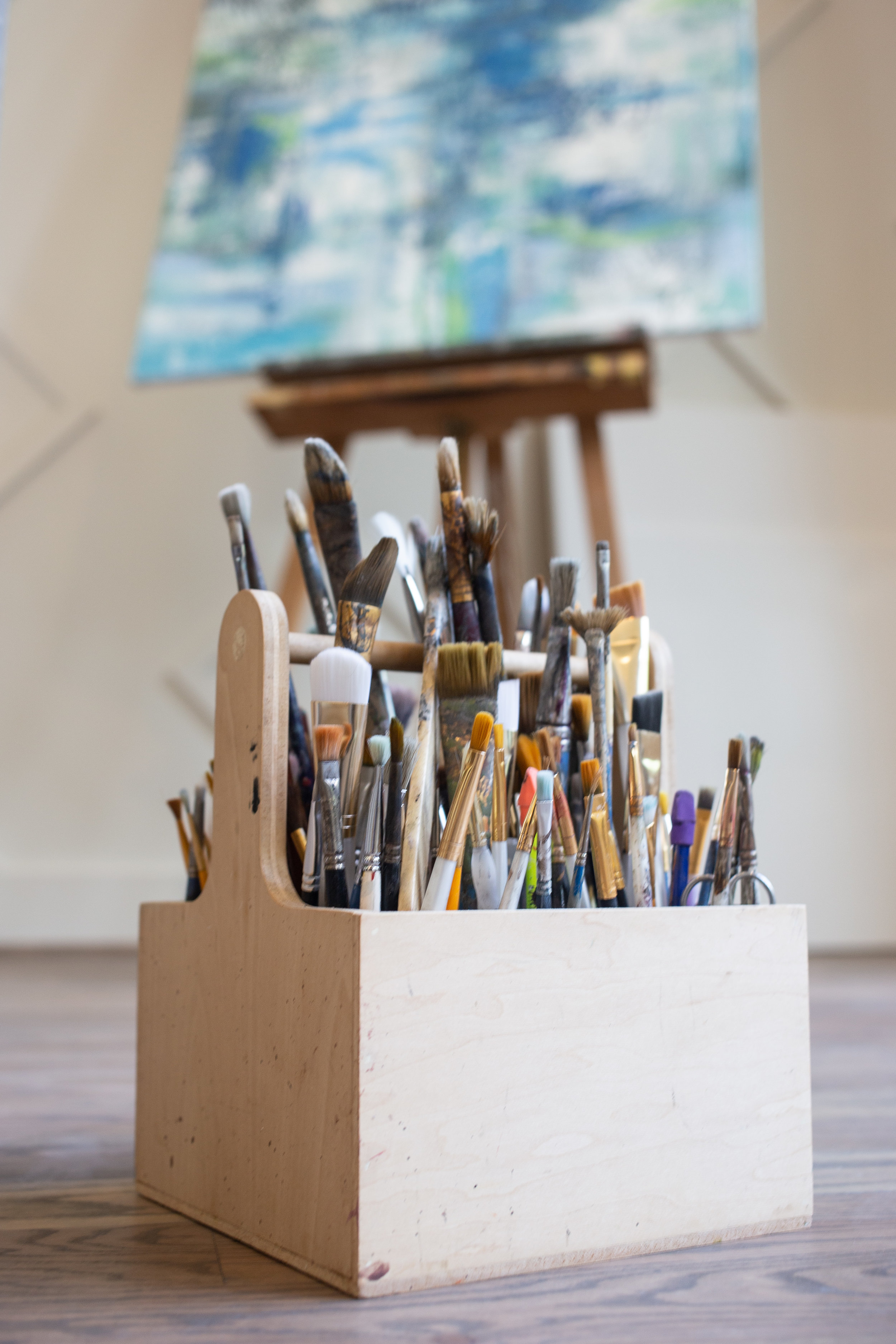 Learn to paint - Our art workshops are designed to help inspire you to create your own master pieces.Draw with charcoal, make an abstract, florals, landscapes, cityscapes, try palette knife, or focus on waterfalls. Choose a reference painting you like, we would love to provide the materials with instructions. For adults but teens are welcome.