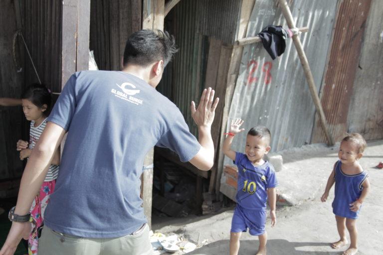 Philippines-High-five-768x512.jpg