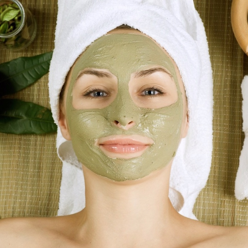SEAWEED FACIAL - ($89 value)Balances oil glands, add minerals and restores moisture to the skin.