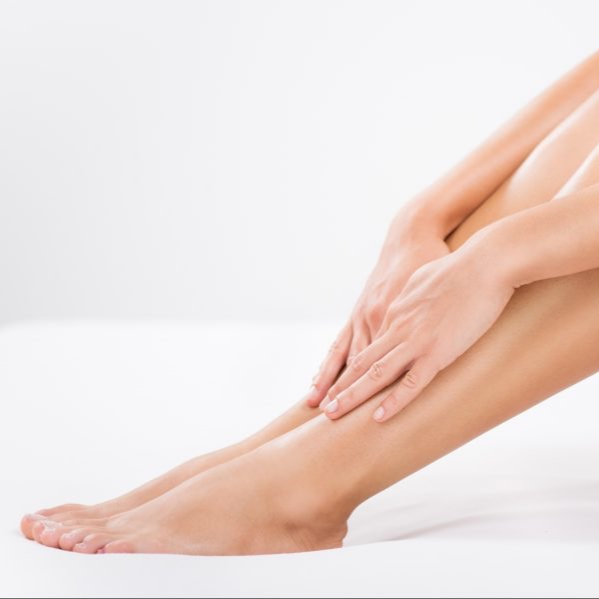 15 MINUTE HAND & FOOT MASSAGE - ($89 value)A special reflexology technique applied to both hands and feet to release tension all over the body