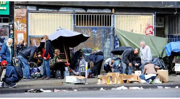DES_tents_on_street.png