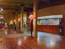 Hampton Inn Conv Ctr_lobby.jpg