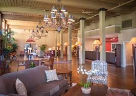 hampton Inn NOLA lobby.jpg