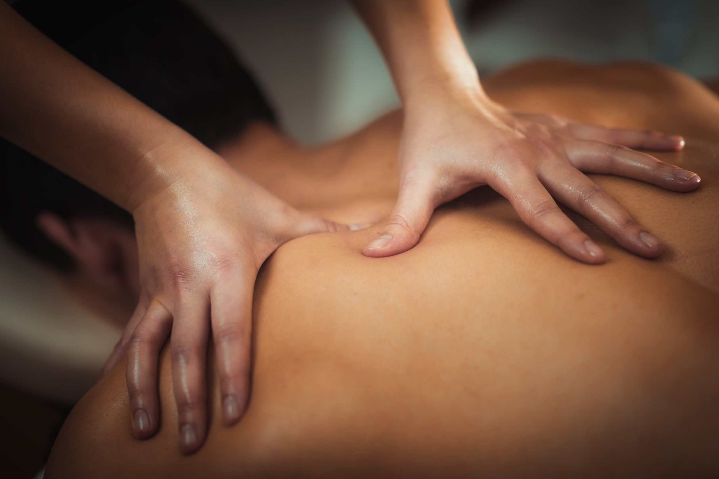 Healing treatments - Find out about the heaing treatments Aoife offers for pain, injury, recovery and more.