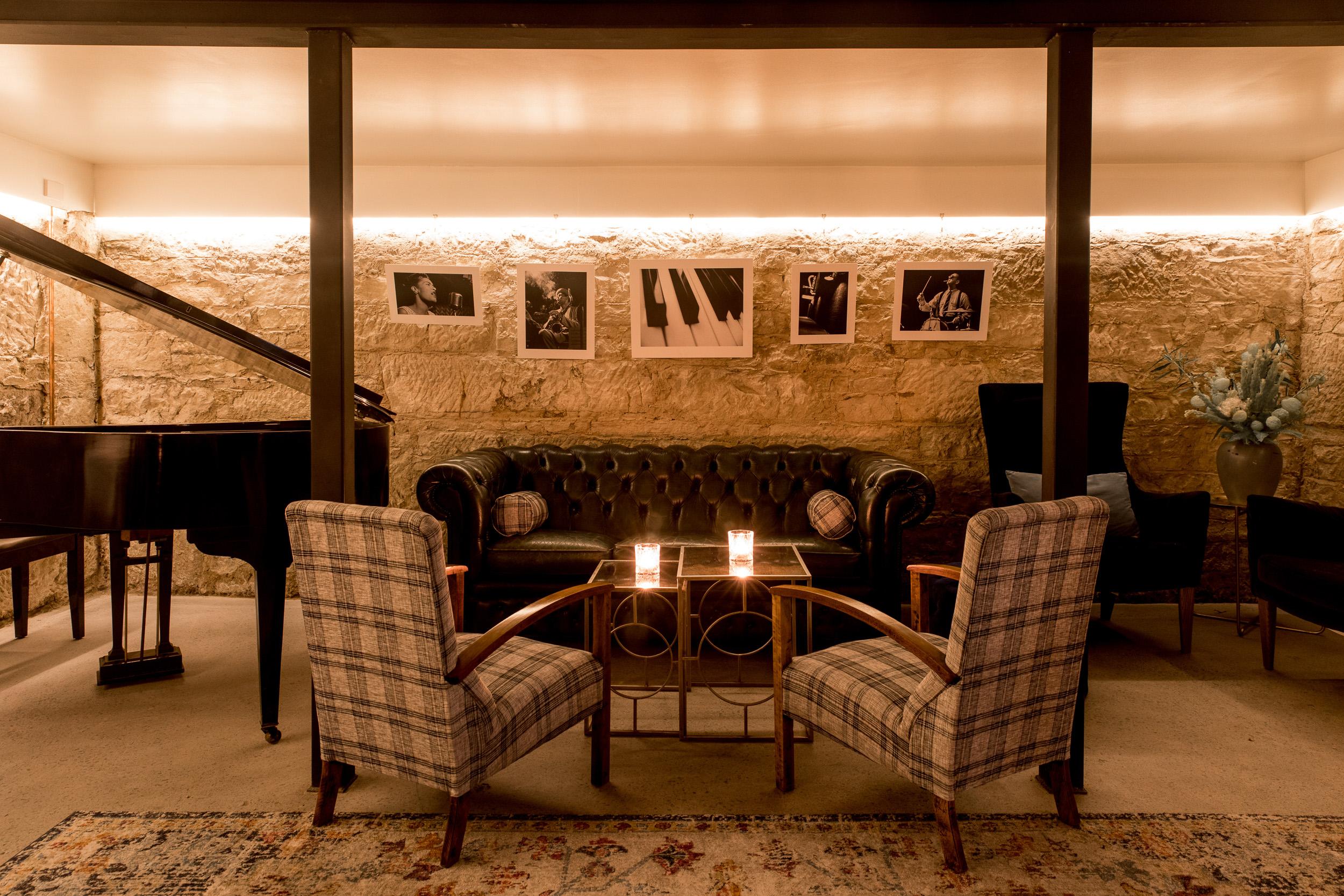 Etties_Pianoroom-11.jpg