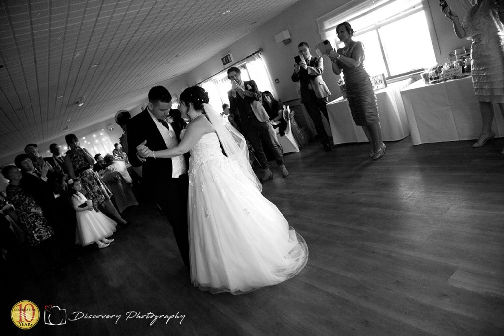 Hunley-Hall-golf-club-wedding-photography-first-dance-1024x683.jpg