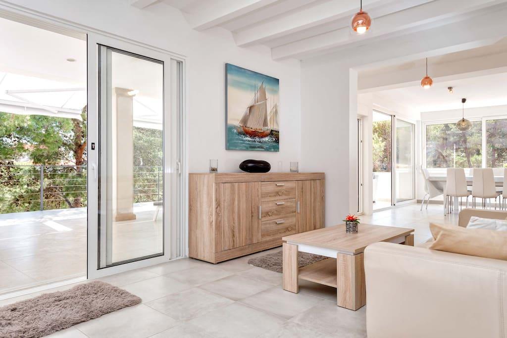 Villa-Oceanus-Indoor-Top-Floor-Living-Room.jpg