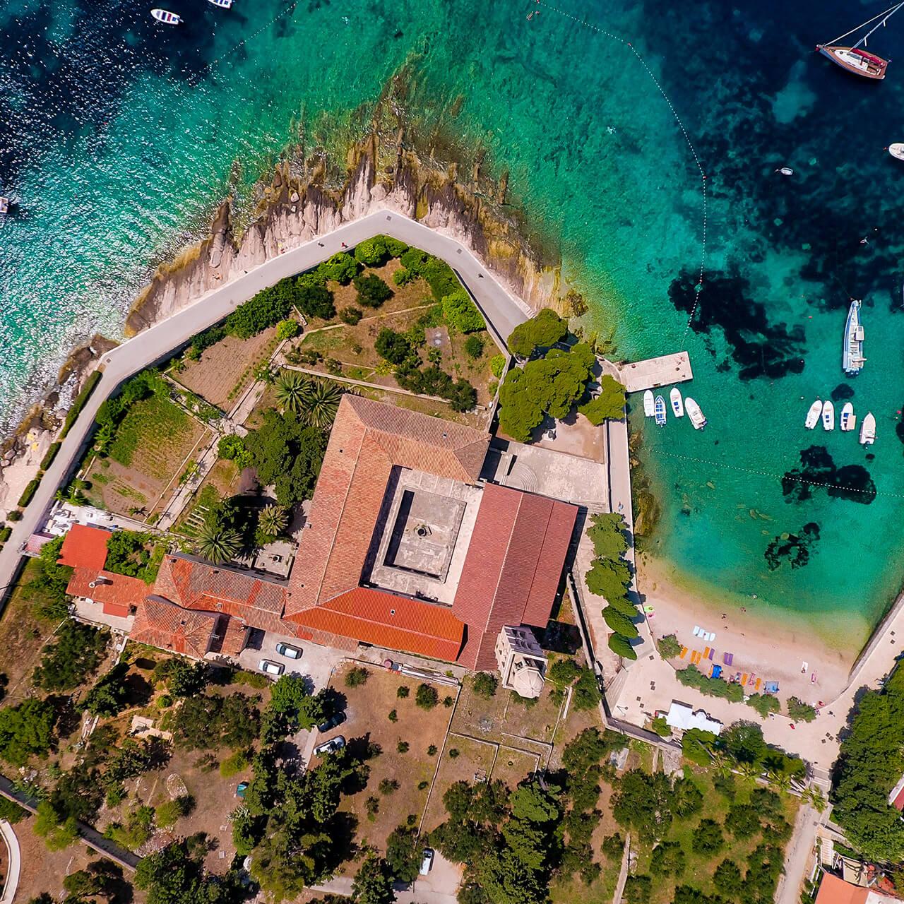 Villa-Oceanus-Hvar-004.jpg