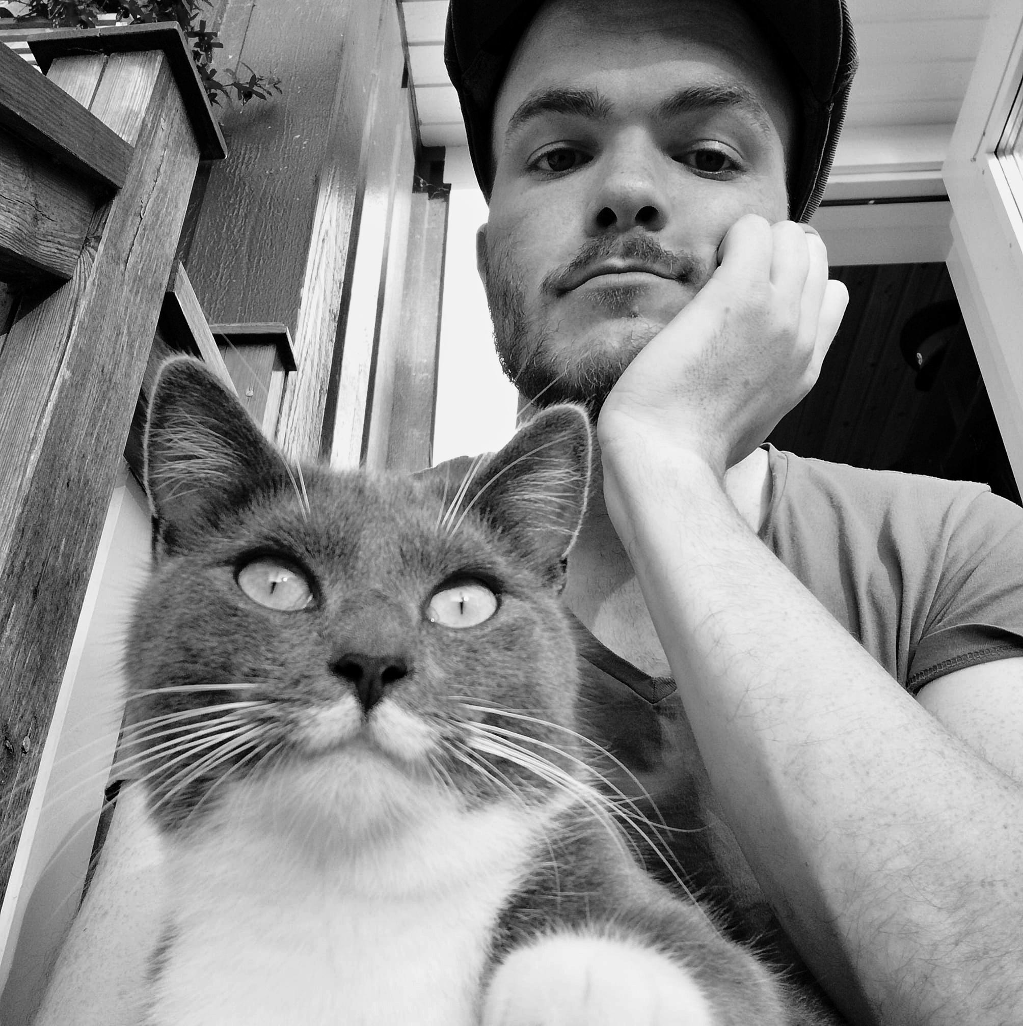 Tony Johansson - Actual math scientist. Improvises with scientific precision. Lover of cats.
