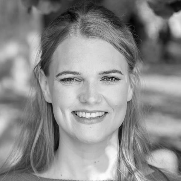 Lina Söderberg - Actor and shapeshifter. Creates spot on characters, on the spot. Always lands on her feet.