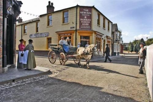 blists-hill-victorian-town-1-500-500.jpg