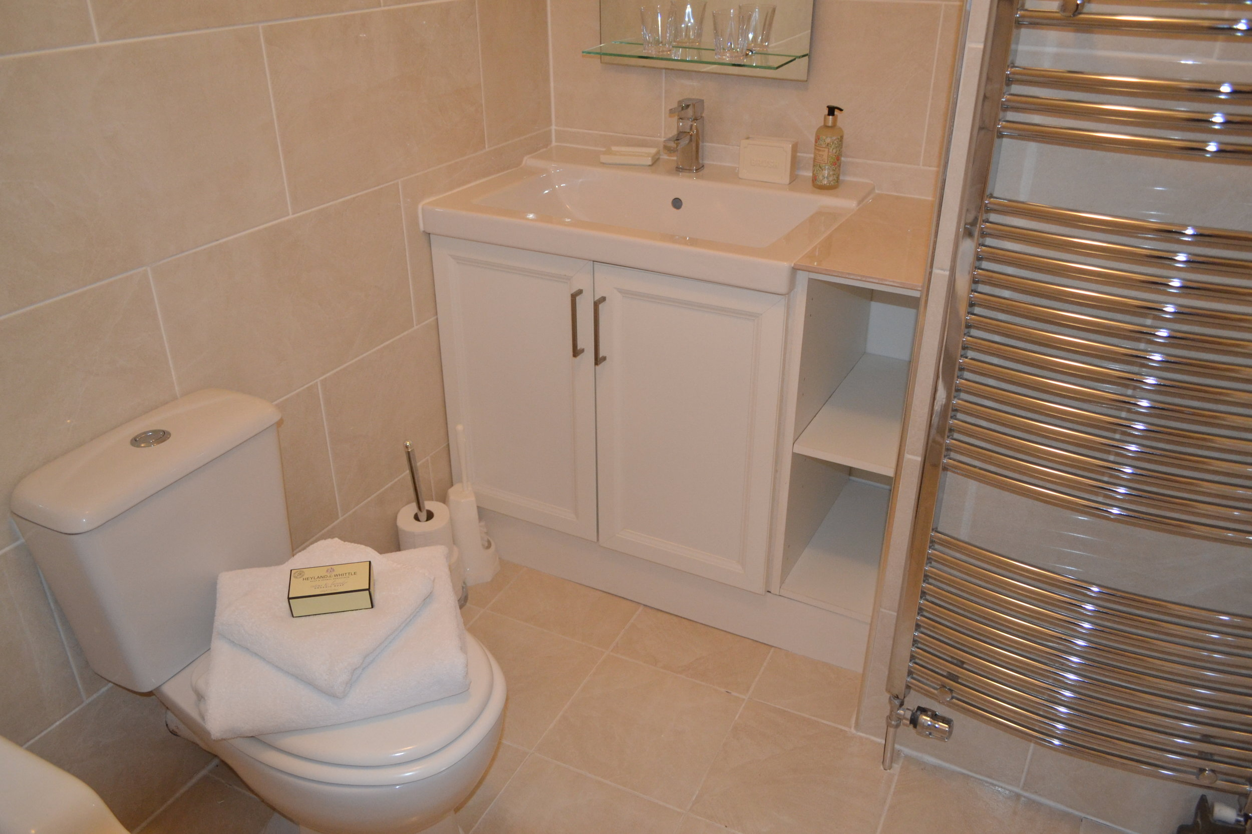 The Ridge - Bedroom1 Ensuite.JPG