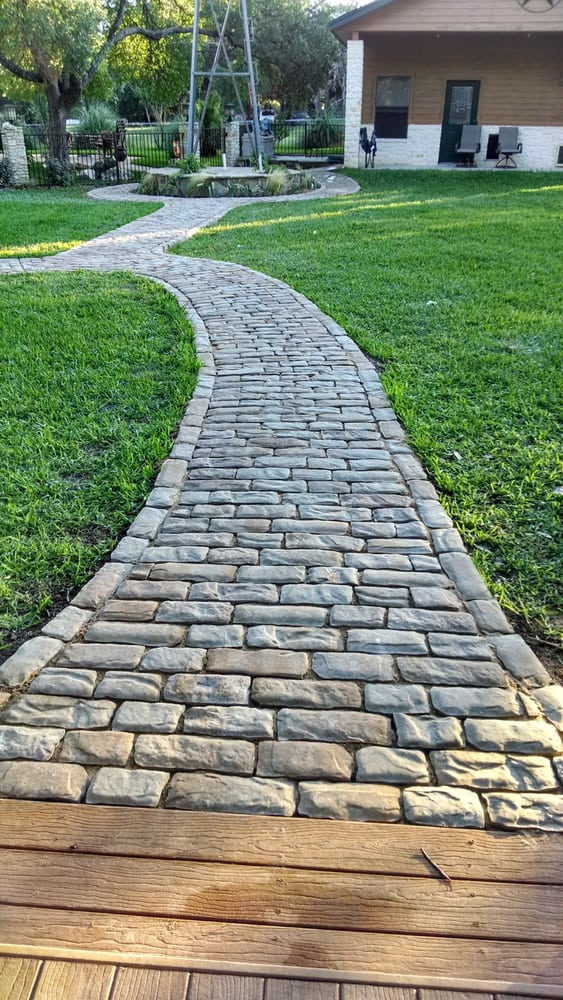 Belgard - Old World Paver walk