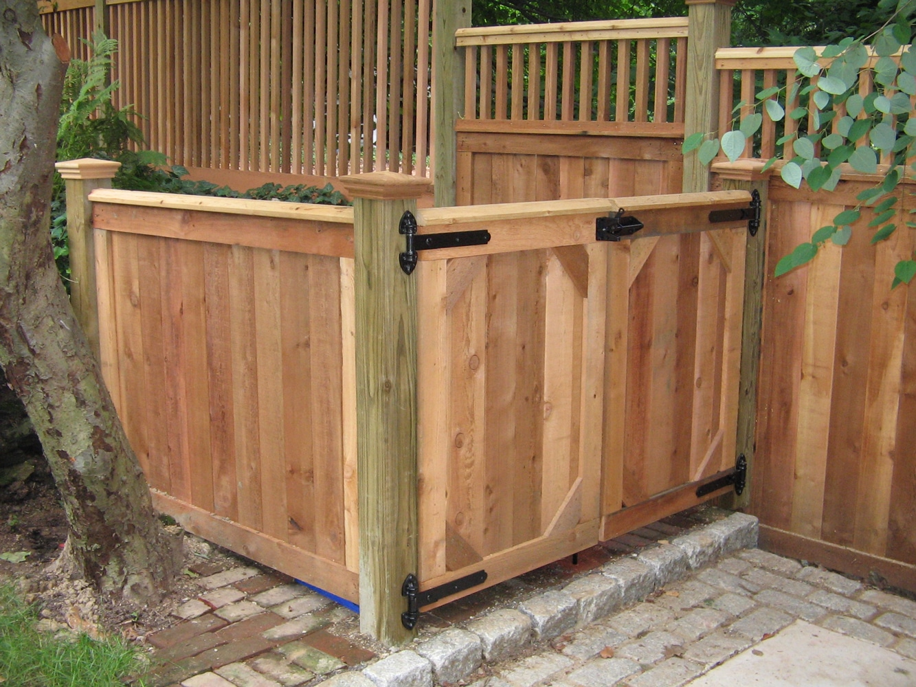 Wooden Trash Can enclosure