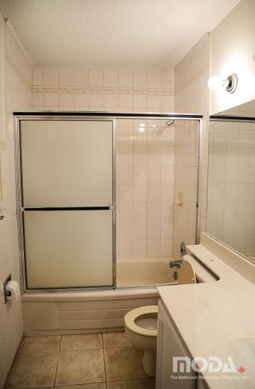 bathroom2_19_359_548_imageswatermark.png_140_60_50_r_b_-10_-10.JPG