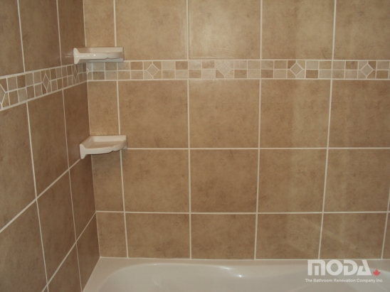 bathroom11_548_411_imageswatermark.png_140_60_50_r_b_-10_-10.JPG