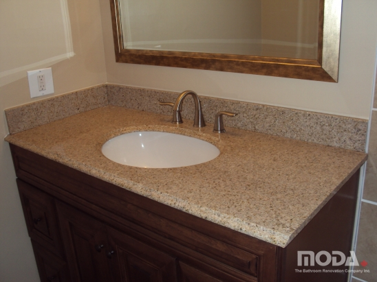 bathroom12_548_411_imageswatermark.png_140_60_50_r_b_-10_-10.JPG