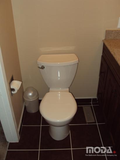 bathroom13_411_548_imageswatermark.png_140_60_50_r_b_-10_-10.JPG