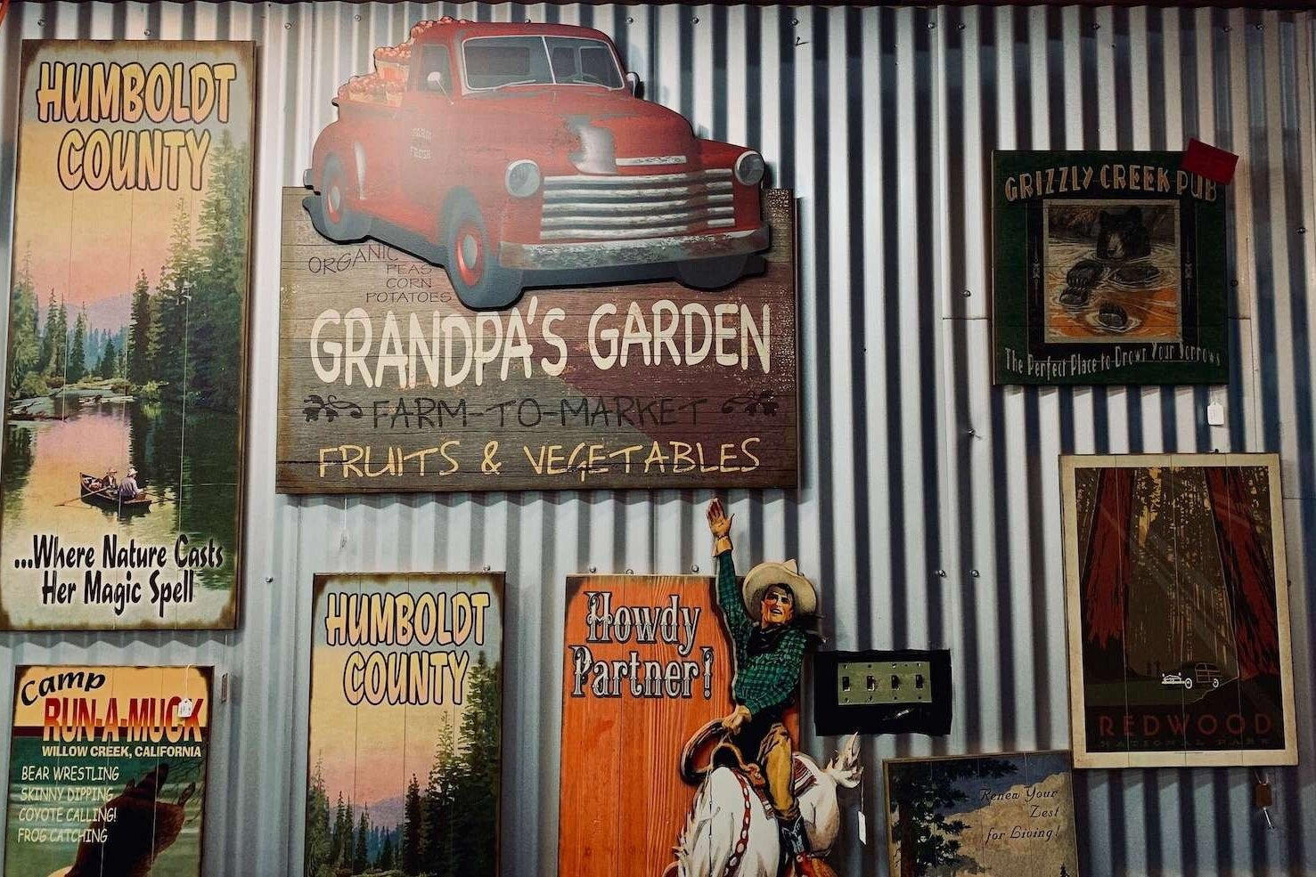 Meissenburg Signs - Welcome to Meissenburg Designs - innovators of the vintage sign business. 100% Made in the USA certified, we manufacture wood and metal signage with a classic appeal that can be personalized.
