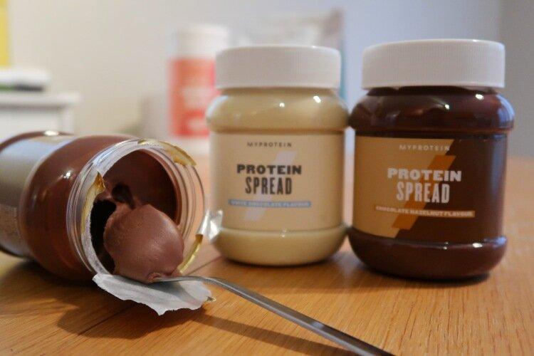 myprotein protein spread trio milk chocolate spoon