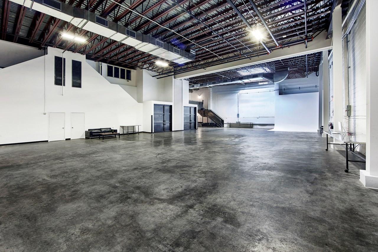 IndustriaNYC_Studio_OneAndTwoRental_Williamsburg_img1.jpg