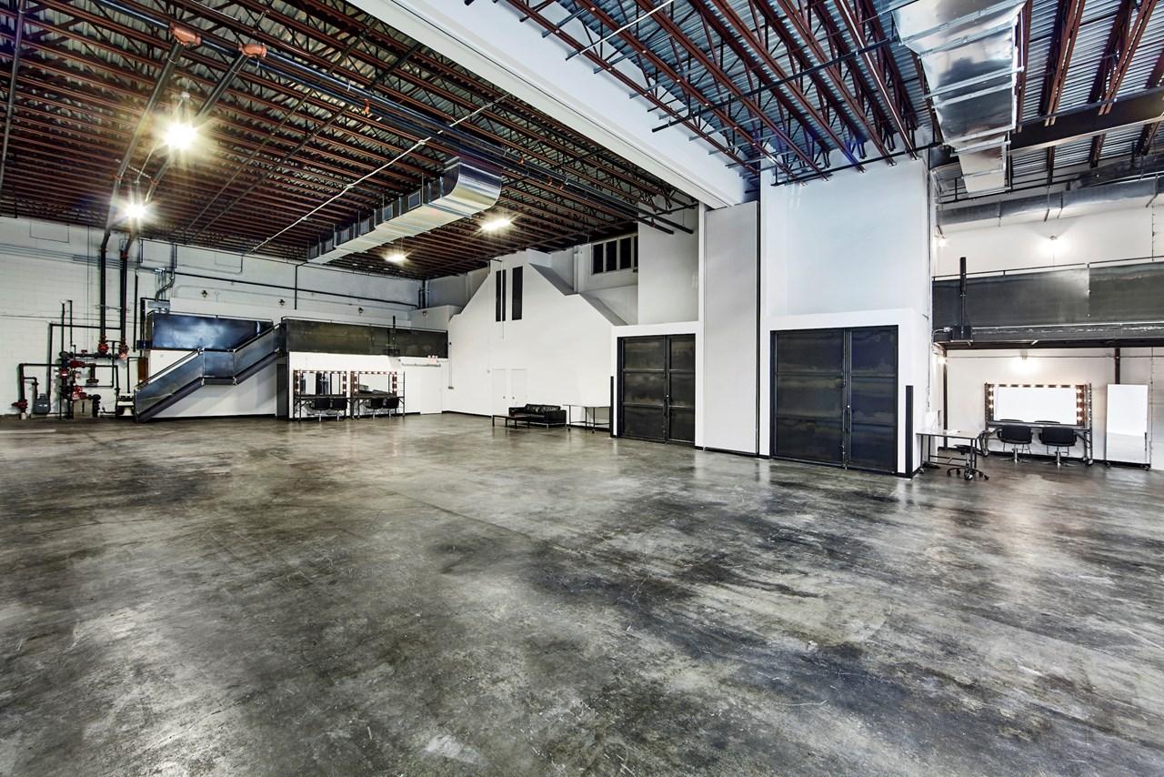 IndustriaNYC_Studio_OneAndTwoRental_Williamsburg_img2.jpg