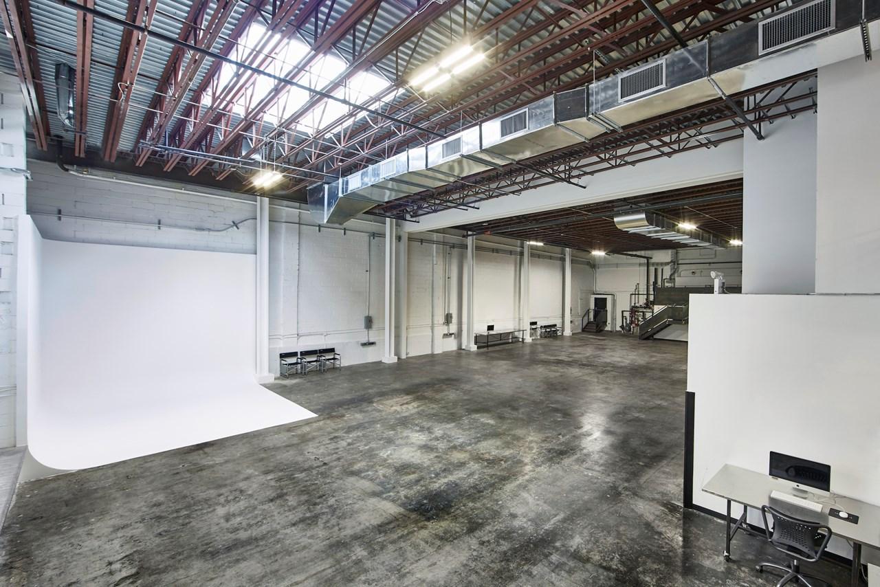 IndustriaNYC_Studio_OneAndTwoRental_Williamsburg_img5.jpg