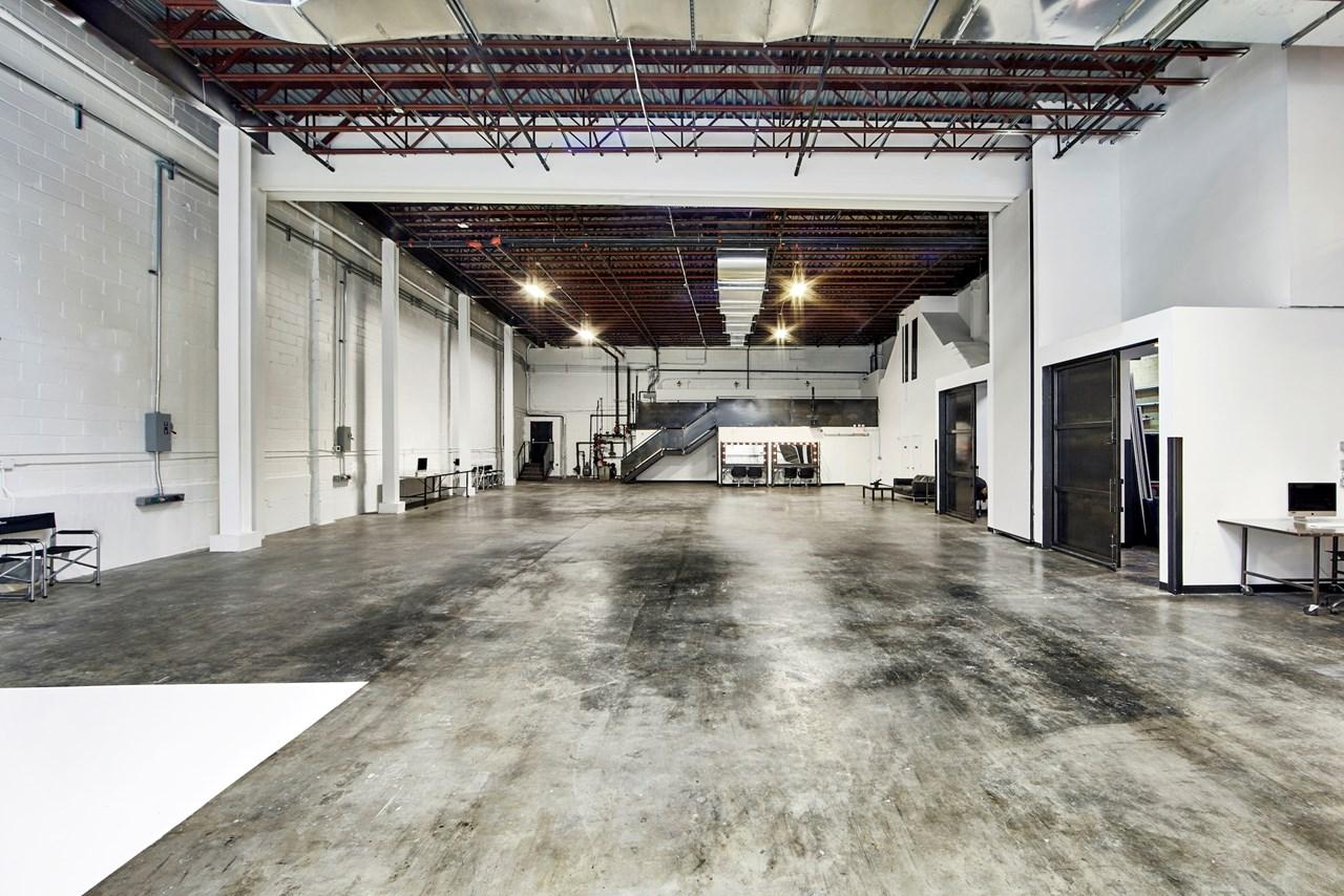 IndustriaNYC_Studio_OneAndTwoRental_Williamsburg_img6.jpg