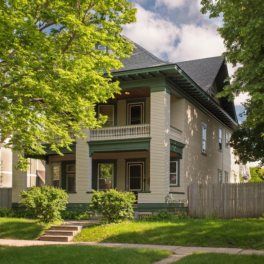 Recovery Homes of MN - Web: www.recoveryhomesmn.comContact: Aaron HorowitzPhone: (339) 222-2287Email: aaron@drewhorowitzassociates.com