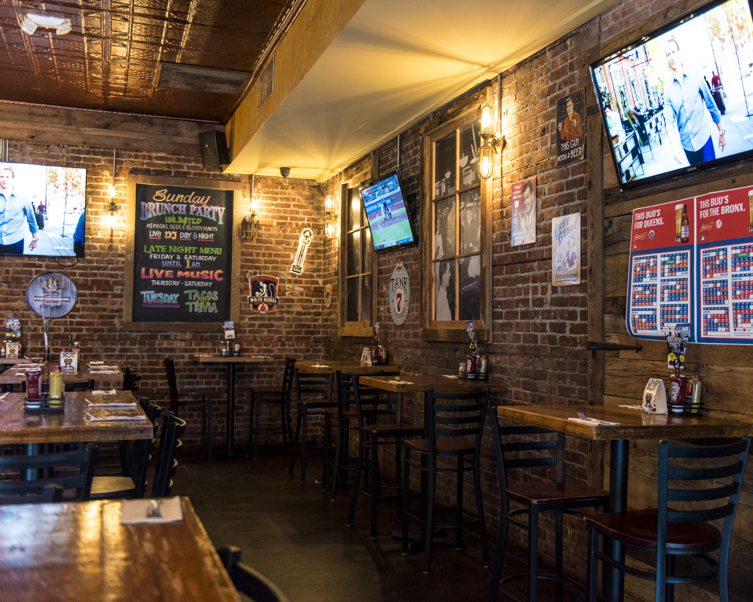Private Parties - Craft Kitchen & Taphouse is the perfect venue for your next event. We have a variety of packages and buy-out options to ensure your party is a success!