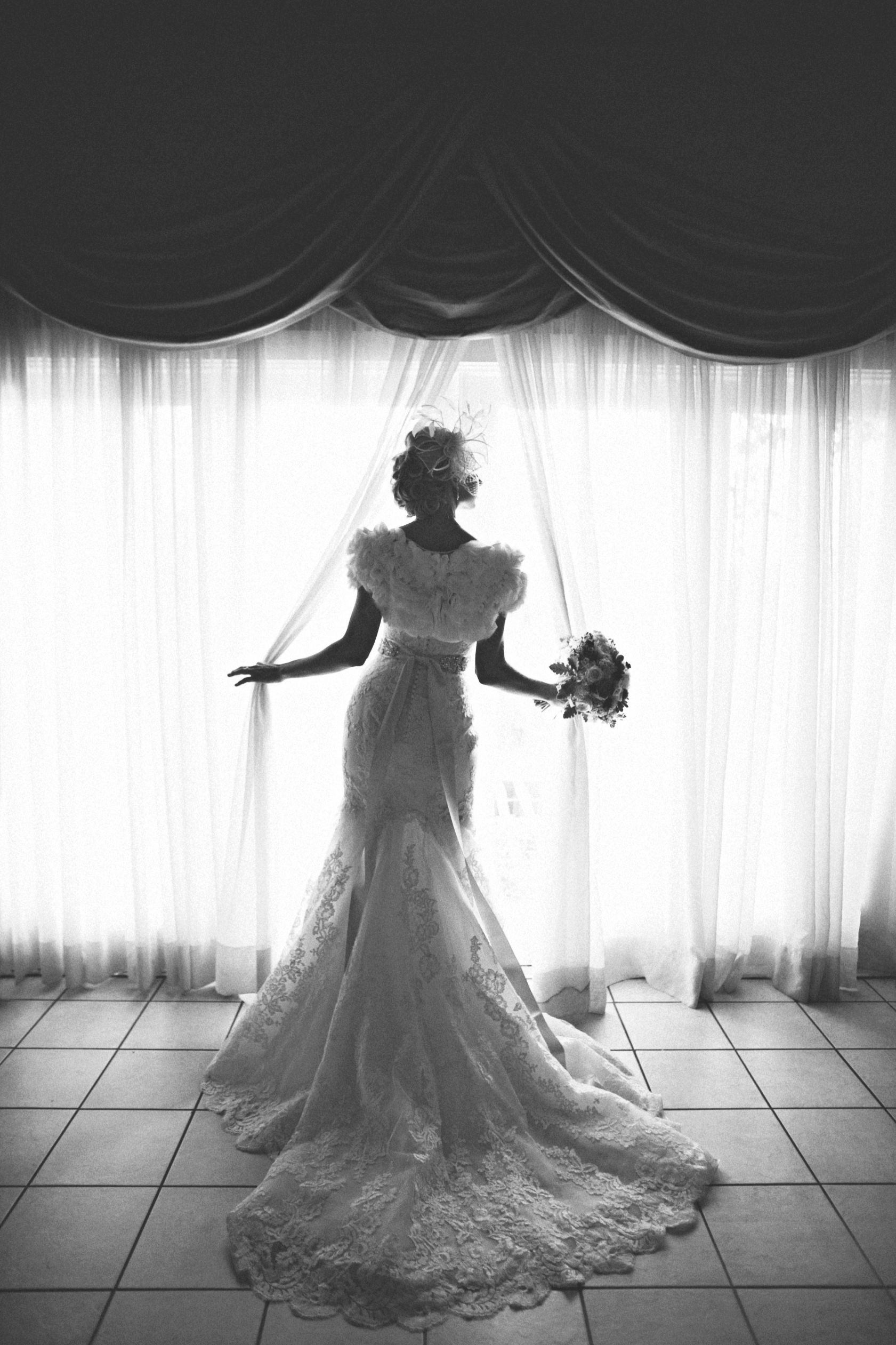 ee.allison.s.bridals29bw.jpg