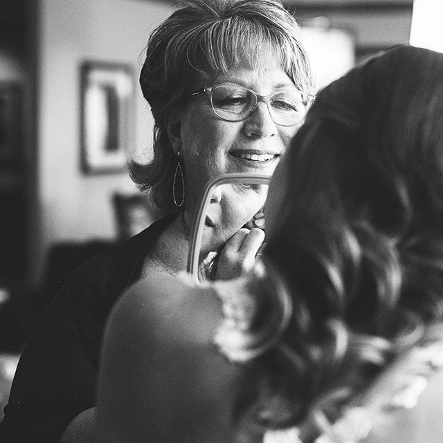 Getting ready with mom are some of my favorite moments ❤️ . . . . Wedding planner: @significanteventsoftexas  #weddings #lovemyjob #eephotome #erinwoolsey #perkinschapel #smuwedding #dallasweddingphotog #bw