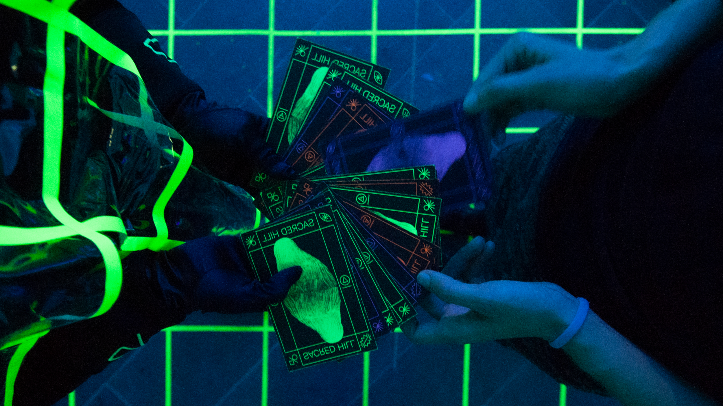 THE GATHERING - A multi-sensory performance connects the physical space with the virtual space and prepares for the ritual through a card reading.The personal story and meaning of each card reflects on the ritual machine and gives you an extra power to join you on your VR journey.
