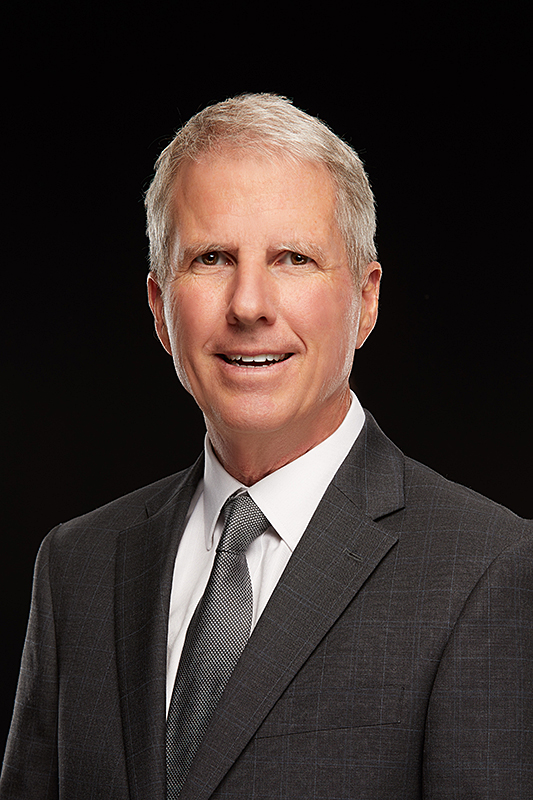 David A. Warren, Partner  David leads Mainstreet's team in the Southwest. Prior to joining Mainstreet in 2001, David was a partner and Western Region Investment Manager at CMD Realty Investors, acquiring four million square feet in Phoenix, Denver, Colorado Springs, Los Angeles and Seattle. He has successfully acquired and disposed of over 2 million square feet of transactions in Phoenix. David is a native Arizonan, and a graduate of Arizona State University.
