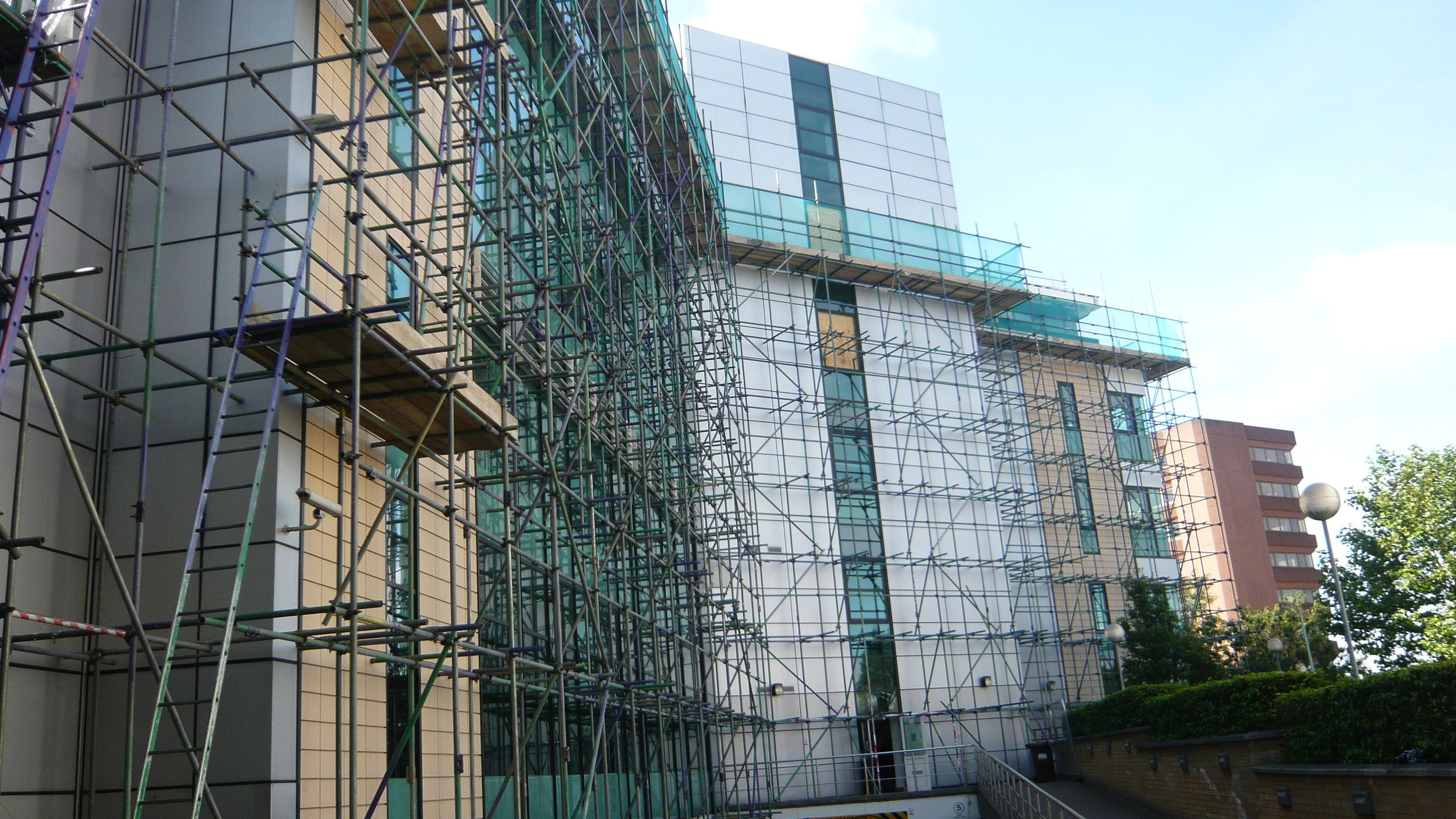 Contract Scaffolding - From single storey to multi storey projects, we cover all of your scaffolding and access requirements including engineered design.
