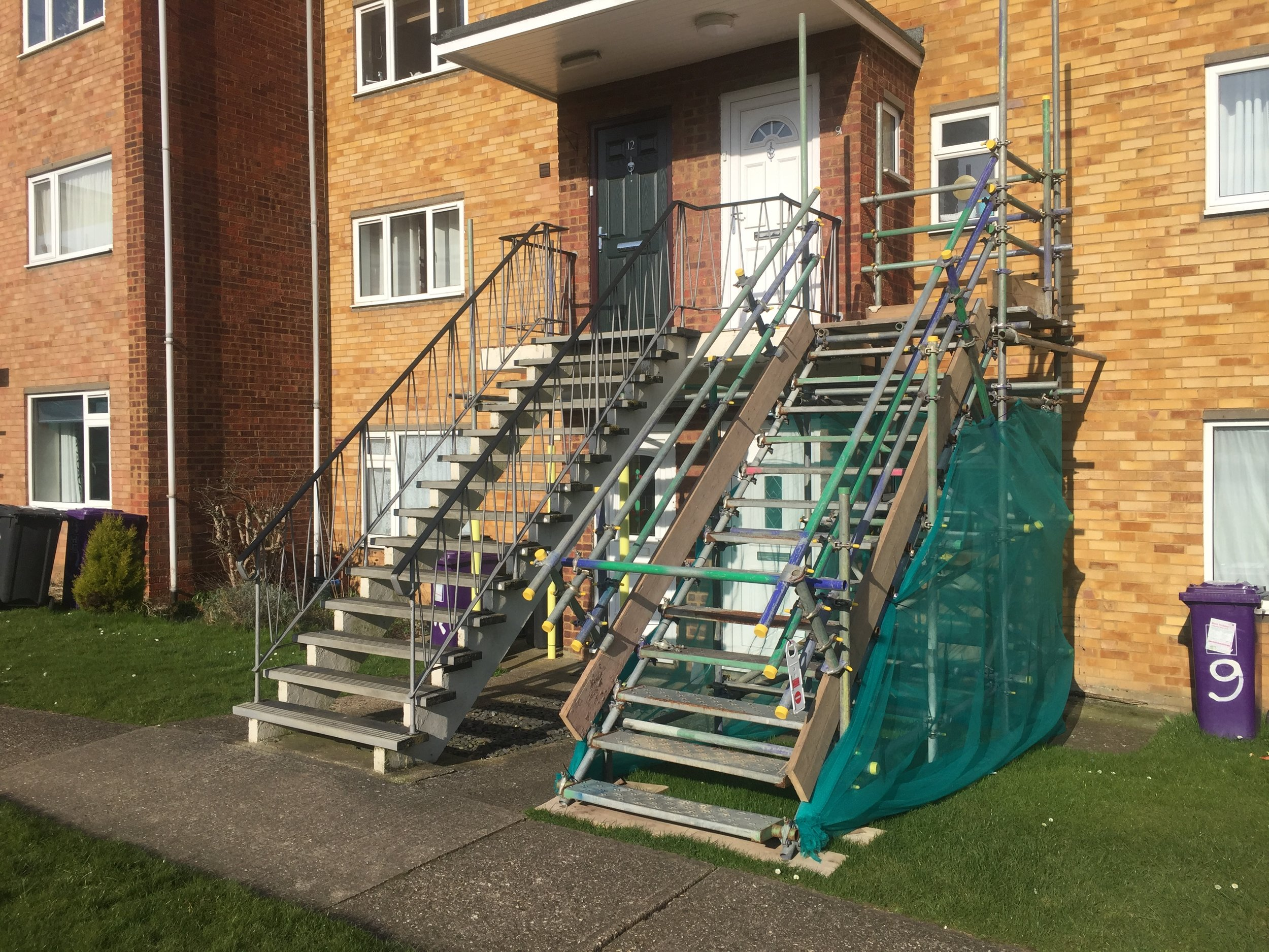 Shepherds-Mead-Hitchin-Temporary-staircase-access-to-entrance-doorways.jpg