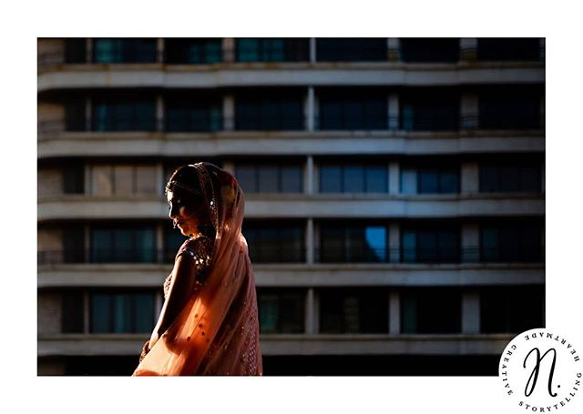 #portfolionarracia 19/30 . . . . . . . . . . #beautifulindia #indianweddings #weddinginmumbai #naturallight #bridesgettingready #gettingready #indianbeauty #weddingphotographer #internationalwedding #mariagealyon #photographedemariage @fotologi_in #grandhyattmumbai #grandhyatt #mumbai #crazyindia #bridetobe2019 #bridetobe2020