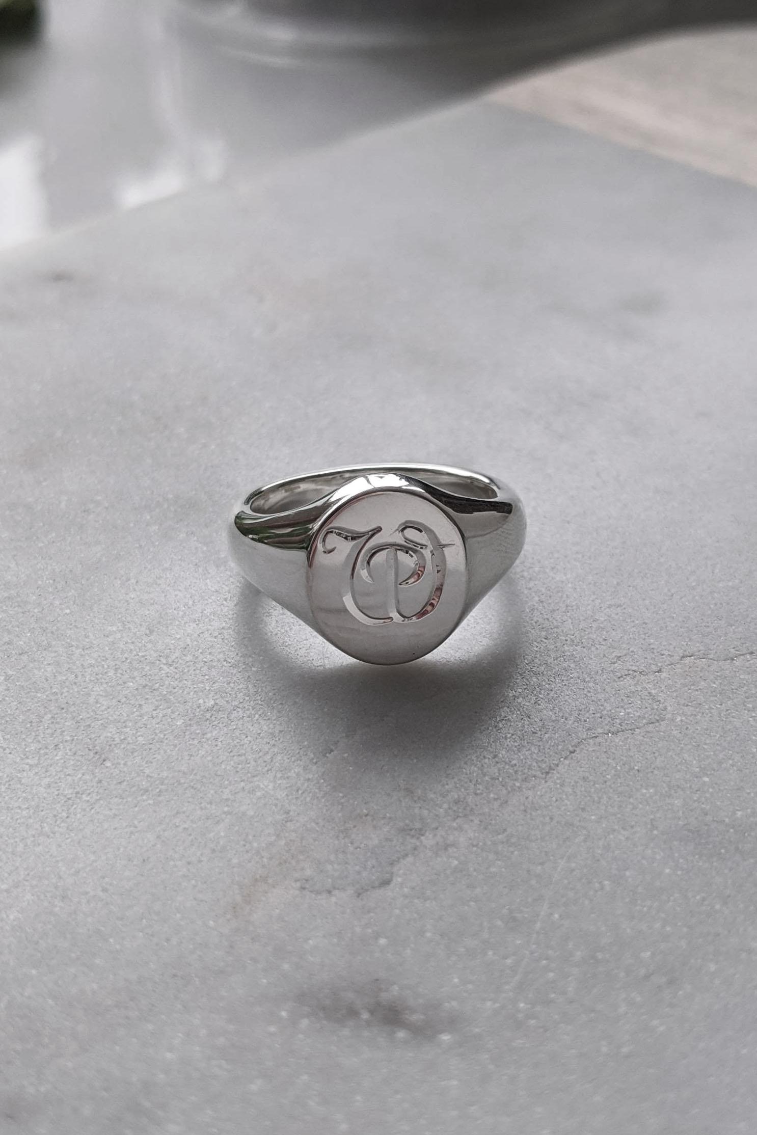silver signet ring.jpg
