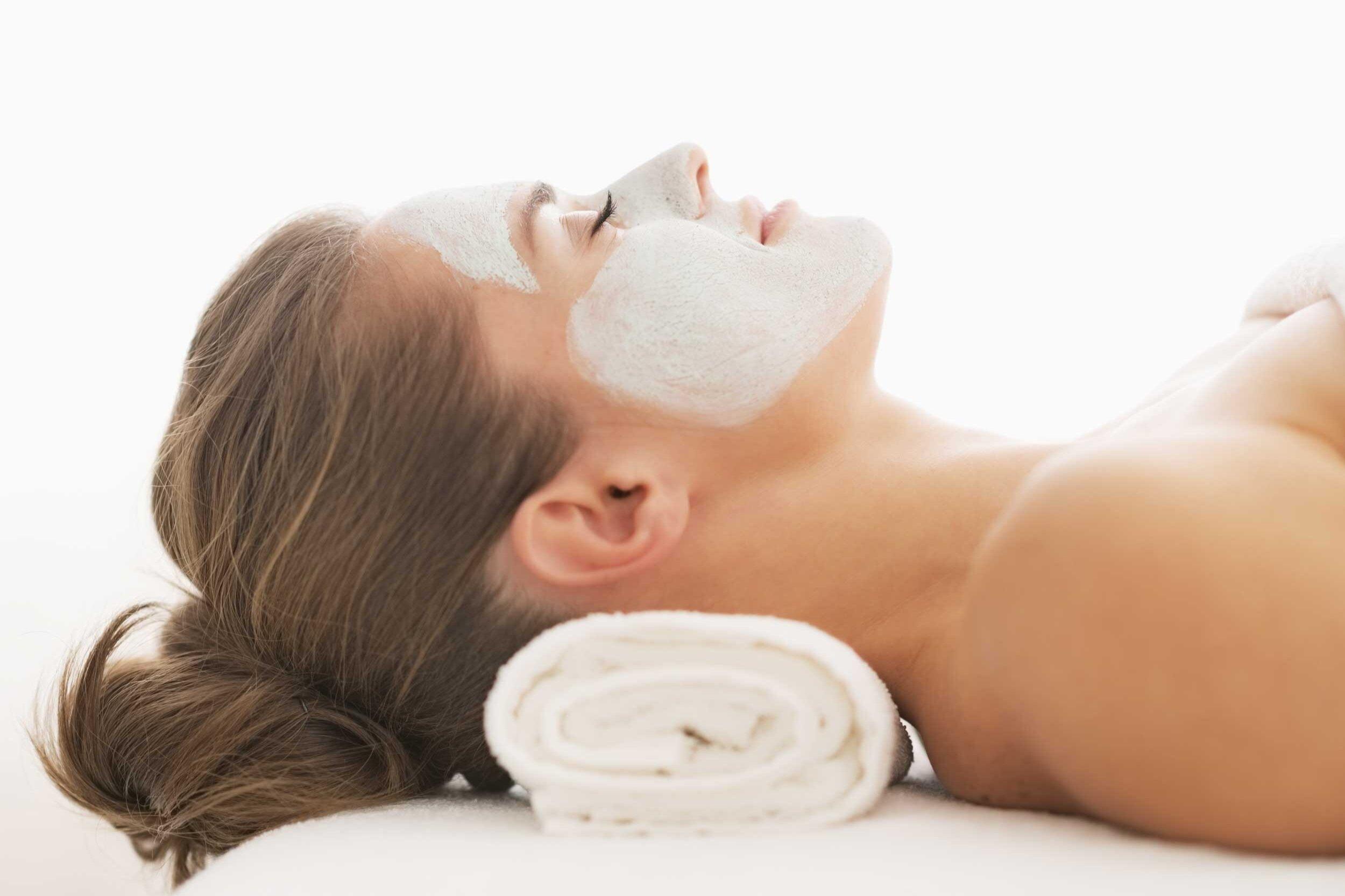Hydrating Mask Facial
