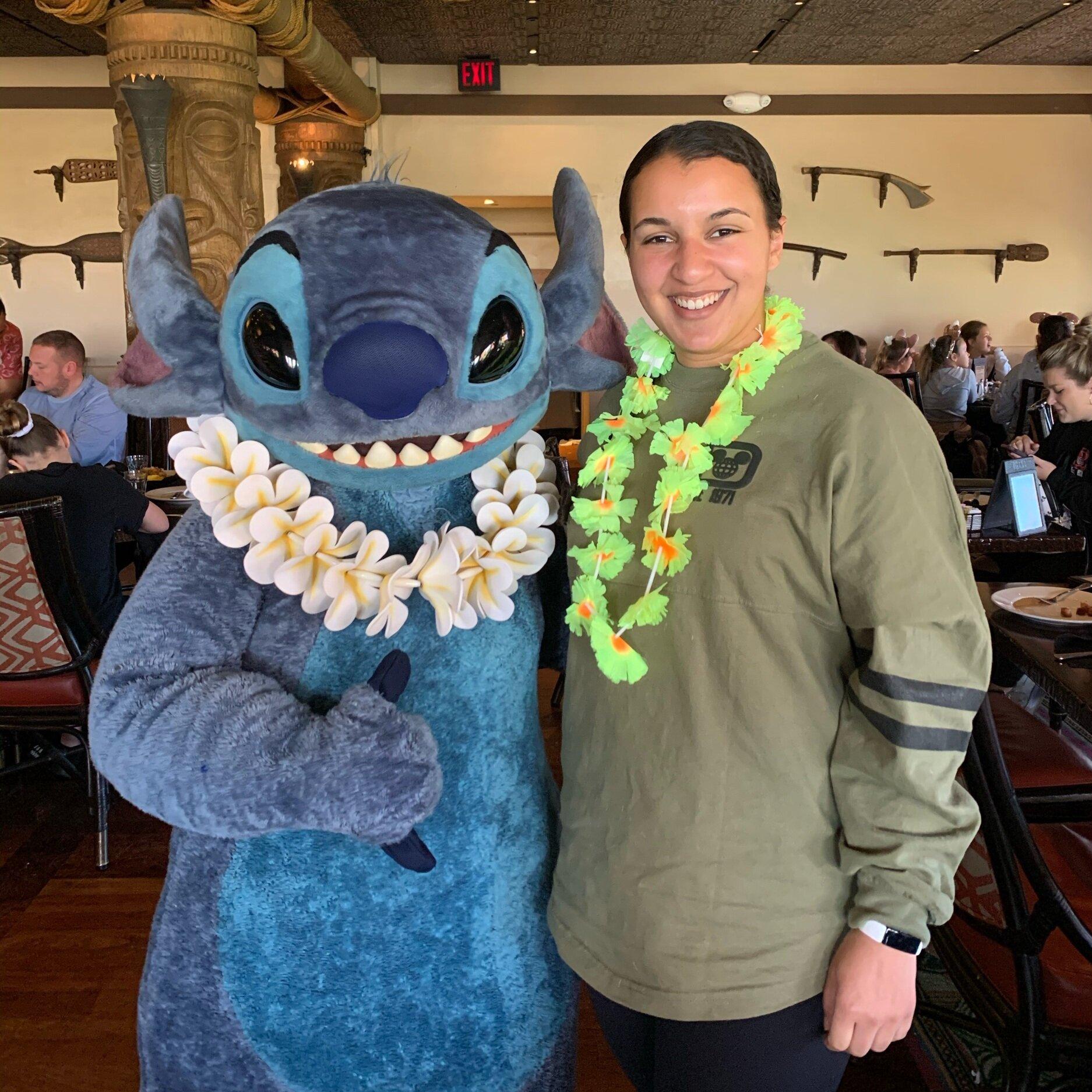 Meeting Stitch at 'Ohana! ('Ohana Best Friends Breakfast)