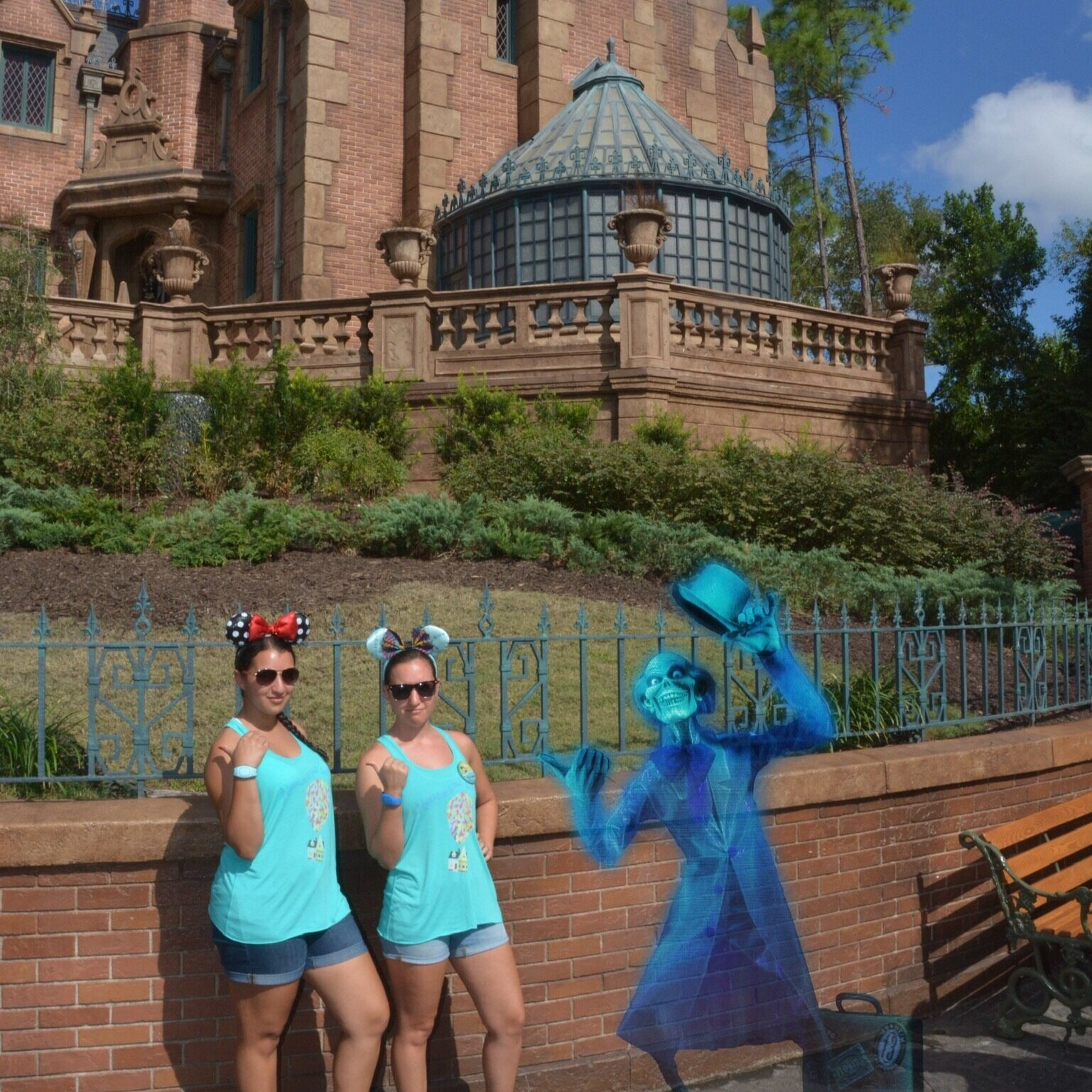 Beware of Hitchhiking Ghosts at The Haunted Mansion! (Disney's PhotoPass)