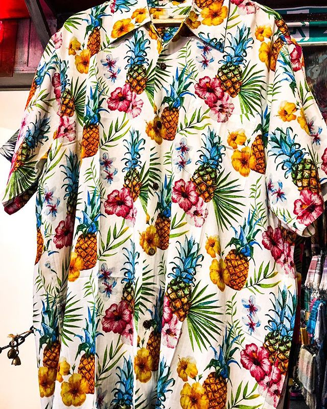 Beach 🏖 cocktails 🍹 Hawaiian 🌺 shirts when is summer going to be here?? New in from Karmakula Hawaiian shirts available in sizes small to XXL £29.99 #hawaii #hawaiianshirt #floral #parrots #surfsup #summer #beachwear #icenine #nottingham