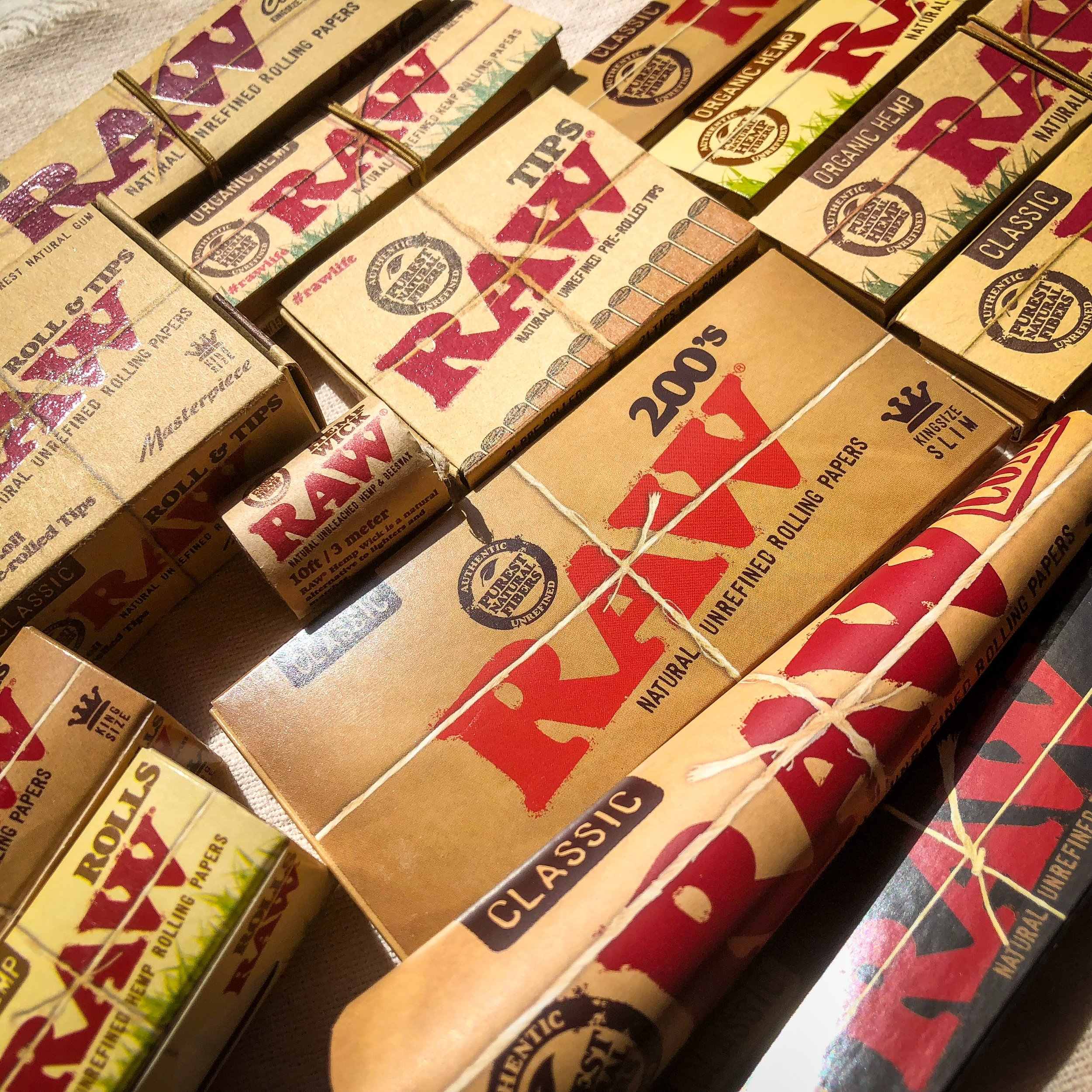 Smoking Paraphernalia - Papers, pipes, Bongs and much much more…