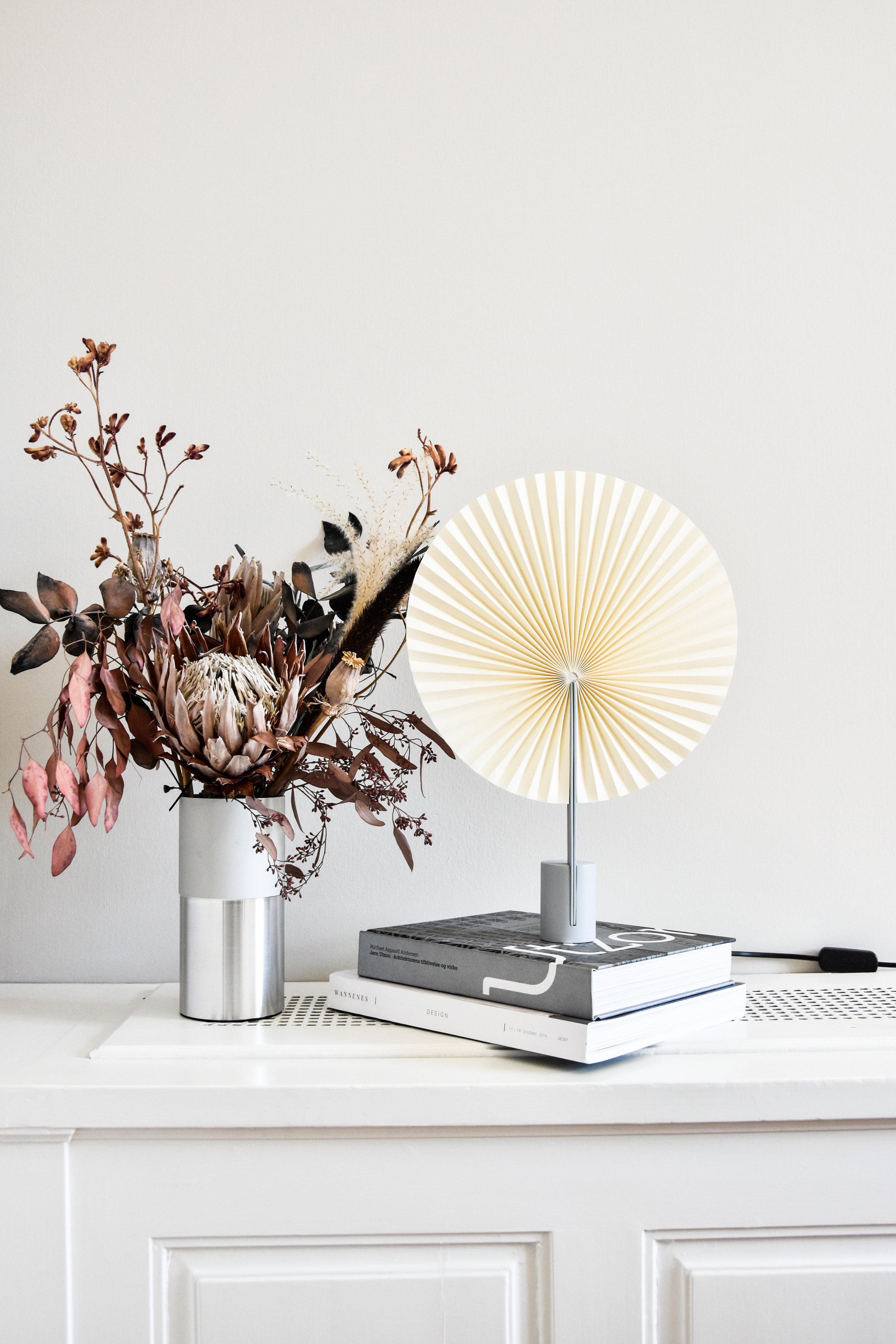 fold - table lamp