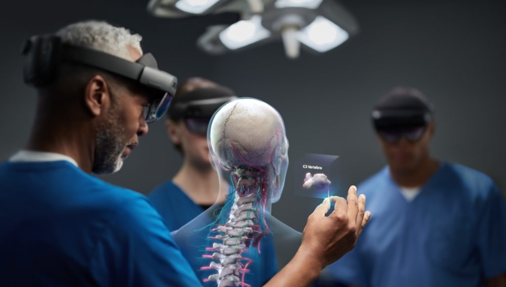 HoloLens 2 for Surgical Training and Pre-operative Planning